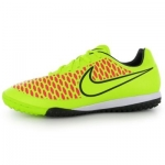 Ghete de fotbal Nike Magista