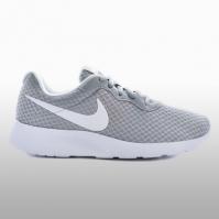 Adidasi sport Wmns Nike Tanjun 812655-010 Femei