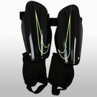 Aparatori de fotbal Nike Charge 2.0