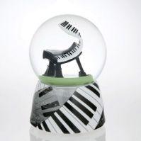 Glob muzical cu apa pian stilizat
