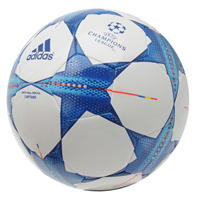 adidas UEFA Champions League Capitano final fotbal