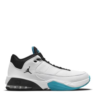 Air Jordan Max Aura 3 Shoe pentru Barbati alb negru verde