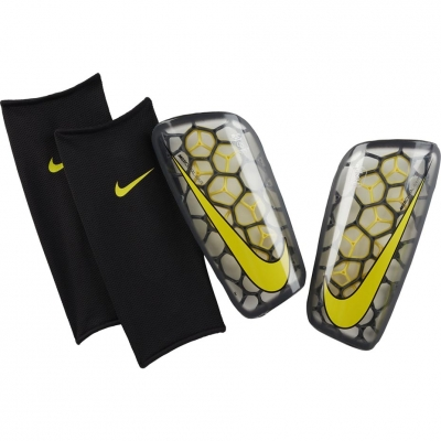 Aparatori fotbal Nike Mercurial Flylite GRD SP2121 060