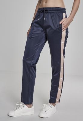Pantaloni de trening cu nasturi pentru Femei bleumarin-roz Urban Classics pudrat alb