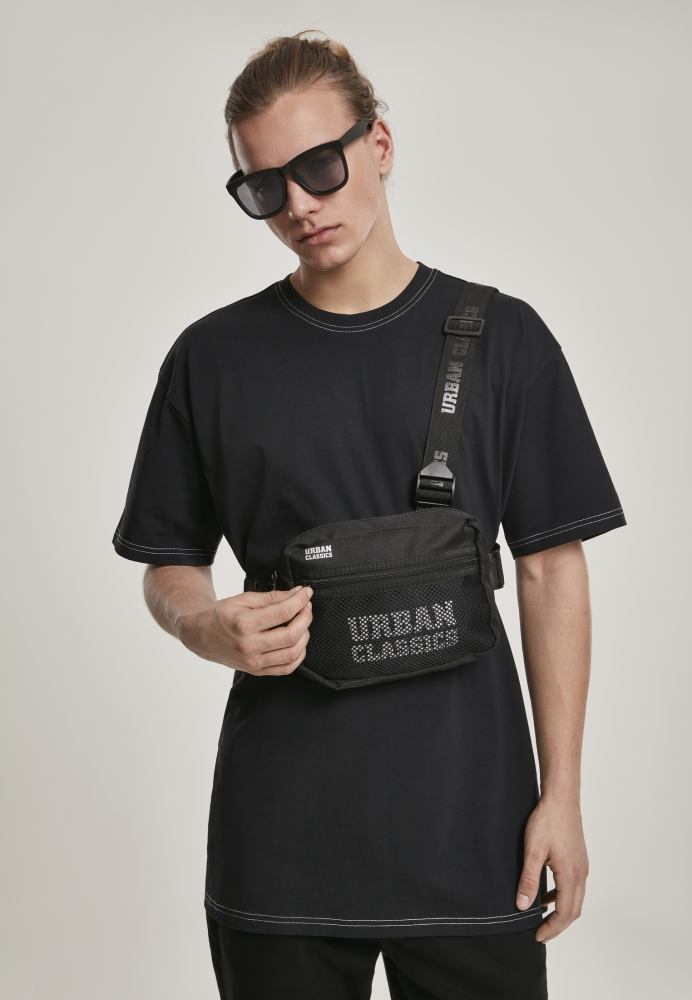 Mergi la Geanta Urban Classics Chest negru