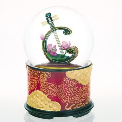 Mergi la Glob muzical cu apa luta si floare de lotus