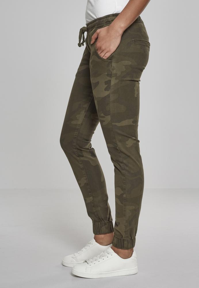 Pantaloni jogging Camo pentru Femei oliv-camuflaj Urban Classics