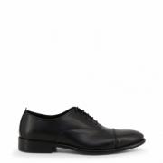 Pantofi siret Made In Italia TARUMBO Negru