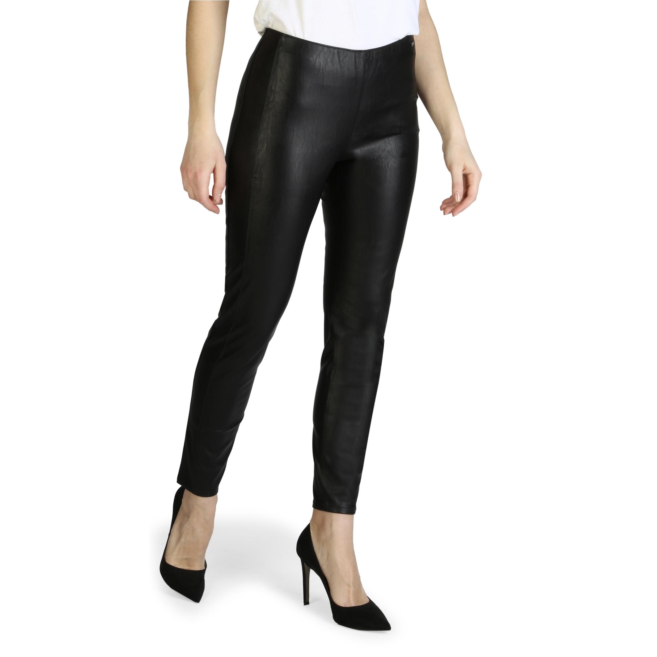 Mergi la Pantaloni Armani Exchange 3ZYP05_YNABZ Negru
