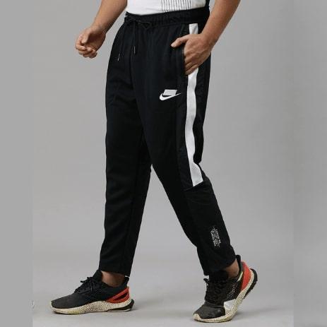 Pantaloni trening barbati